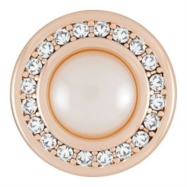 This snap from Ginger Snaps© features a prominent pearl encircled by white gems